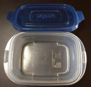 食器洗い乾燥機の実験後のタッパー1