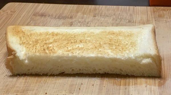 バルミューダで食パンを焼いてみた トップバリュー 毎日の食卓 水有りの場合