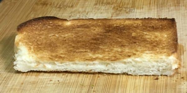 バルミューダで食パンを焼いてみた ヤマザキ スイートブレッド 水無しの場合
