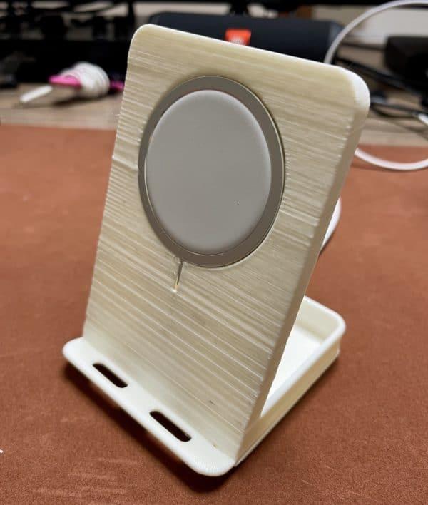 iPhone 12 MagSafeスタンド(自家製)
