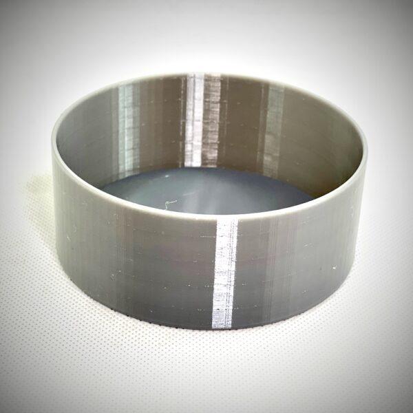 PETGフィラメントを使って通常印刷した丸形のシンプルな深皿。こちらも色んな使い道があって便利ですから、大きい形を作るときはこちら。