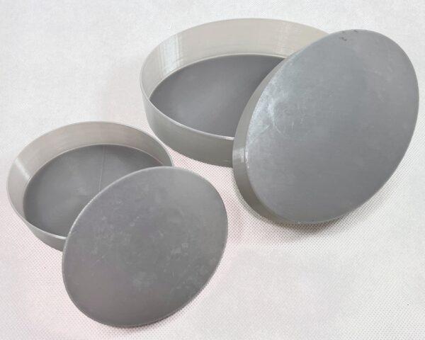 PETGフィラメントでスパイラル(花瓶)モードで印刷した楕円のシンプルな深皿を大小2種類作ってみました。